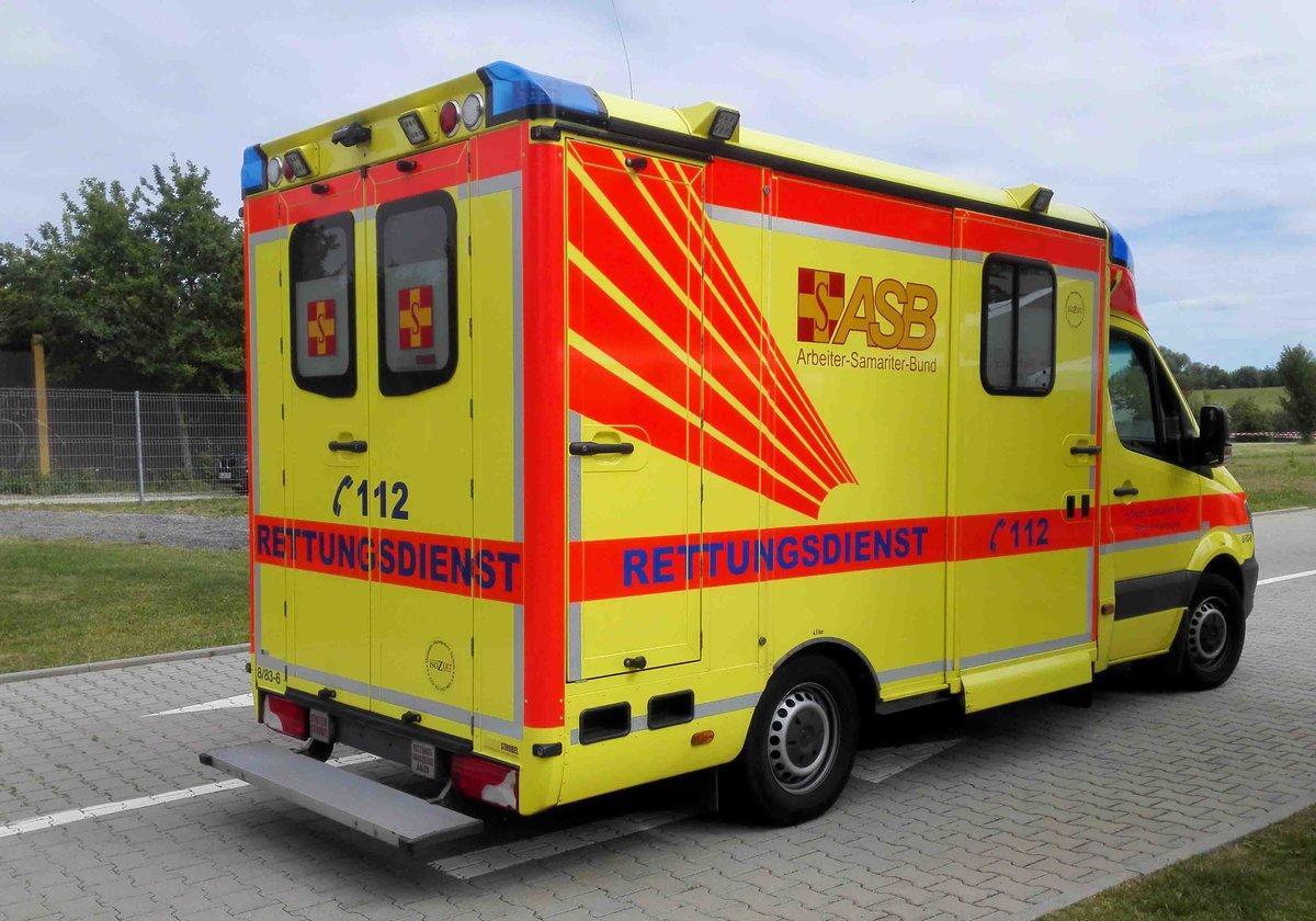 mb-sprinter-als-rettungsdienstfahrzeug-des-139794.jpg